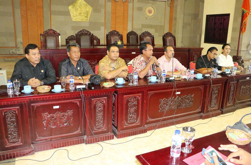 Komisi II Siap Kawal Perbaikan Infrastruktur